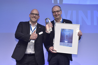 "The smarter E AWARD (Smart Renewable Energy): SMA Solar Technology AG was honored for ""ennexOS – die sektorübergreifende IoT-Plattform"""
