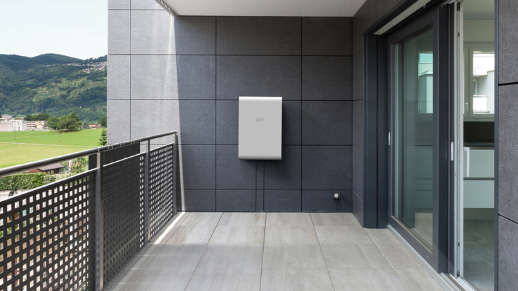 ees AWARD Finalist 2019: EET – Efficient Energy Technology GmbH (Austria), SOLMATE - The Smart Power Plant for Your Balcony