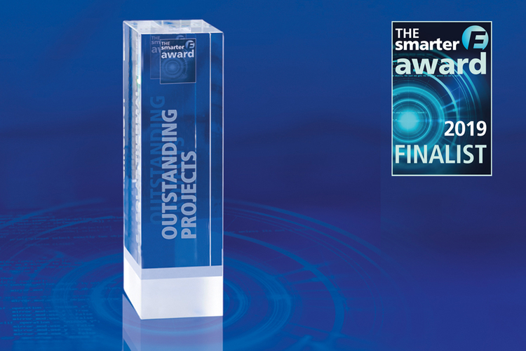 Trophy and finalist signet of the The smarter E AWARD